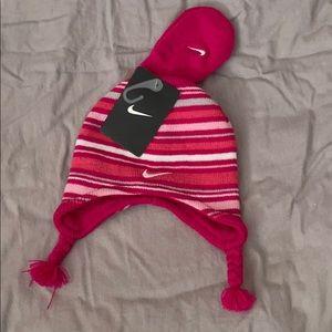 3/15- NWT- NIKE hat & glove set- 12/24 m